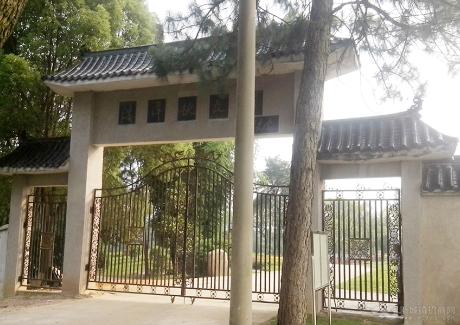 陈潭秋故居红色旅游景区实景图